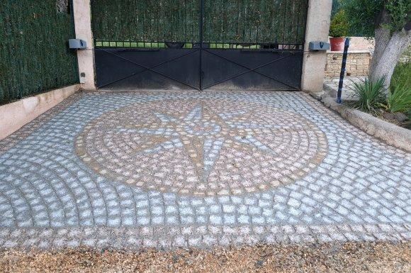 Prestations vendeur pierres naturelles, galets, mobilier Le Cannet-des-Maures