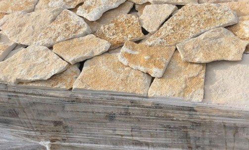 Vendeur de pierres naturelles, opus st-Antoine,  Le Luc