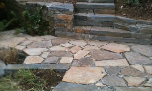 Vendeur de pierre naturelle, galet et mobilier La Garde-Freinet