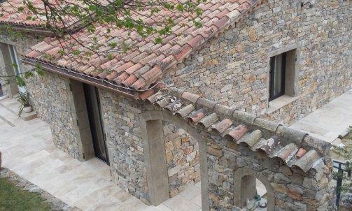 Fournisseur de pierre naturelle, galet et mobilier st maxime